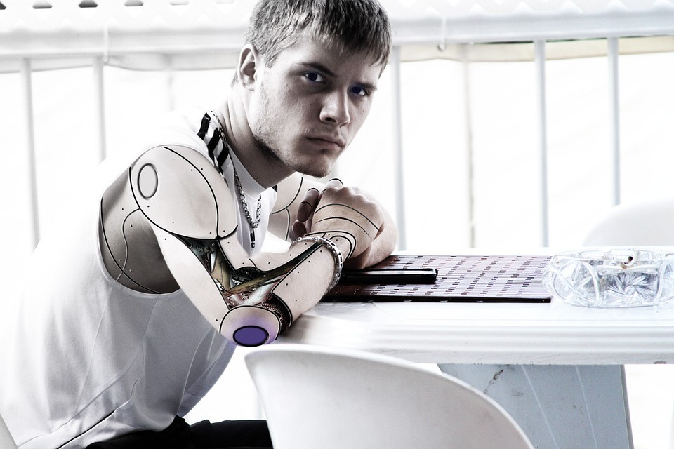 You are currently viewing Can writers be replaced by Artificial Intelligence?